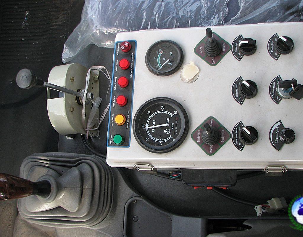 Подметально-вакуумная машина KVS-5000 КОБАЛЬТ  на шасси FOTONDAIMLER